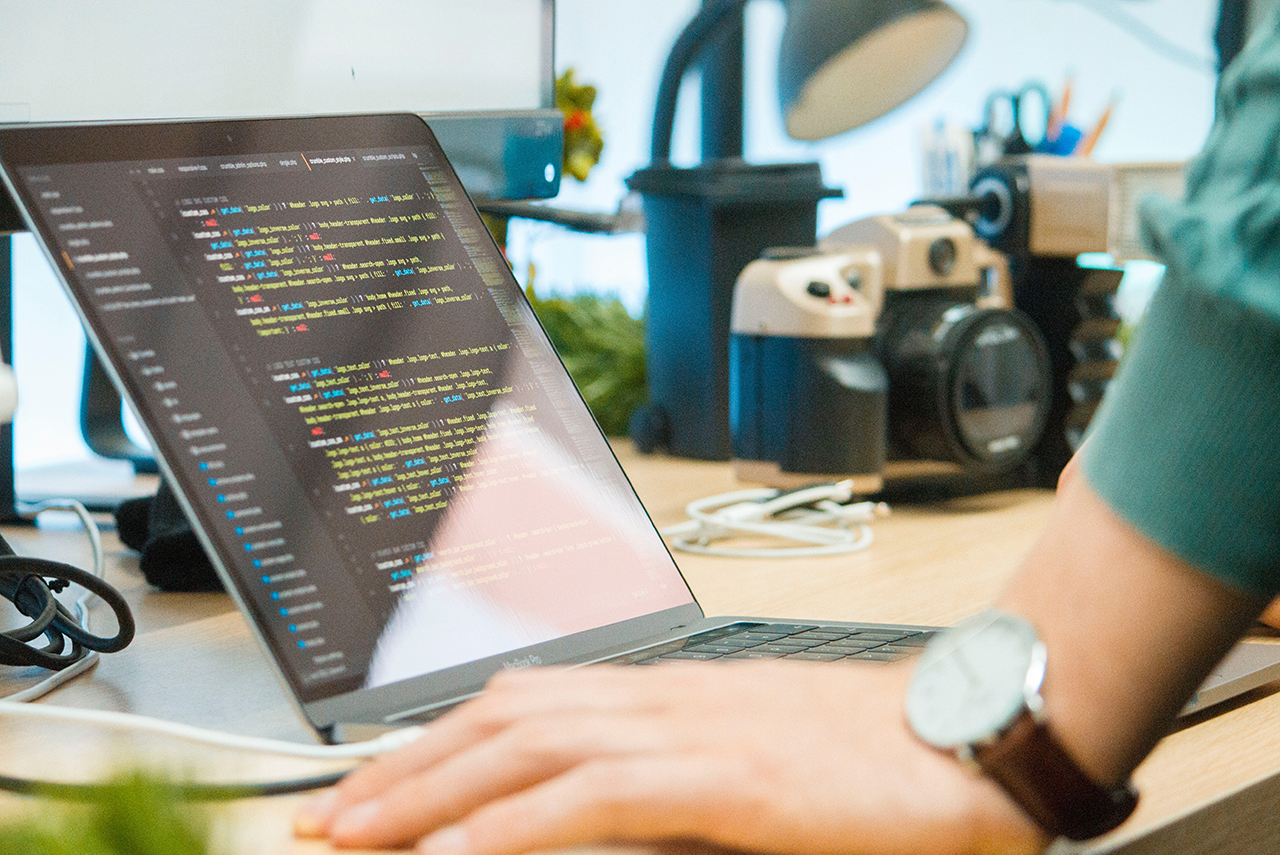 プログラミングが捗る!初心者プログラマーにもおすすめのエディター4選